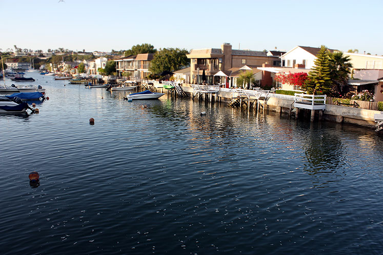 World Travel Photos :: USA - California - Balboa Island :: California. Balboa Island - a canal