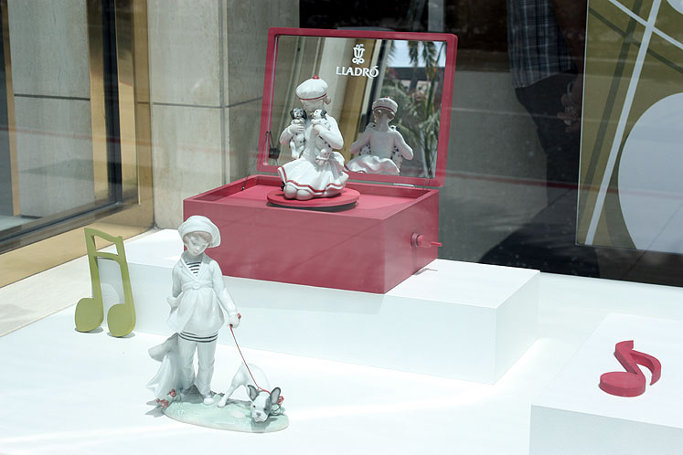 World Travel Photos :: USA - California - Beverly Hills :: Beverly Hills - a shop-window on Rodeo Drive