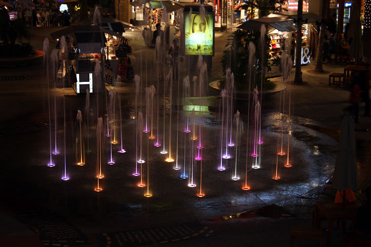 World Travel Photos :: Night views :: Hollywood - fountains
