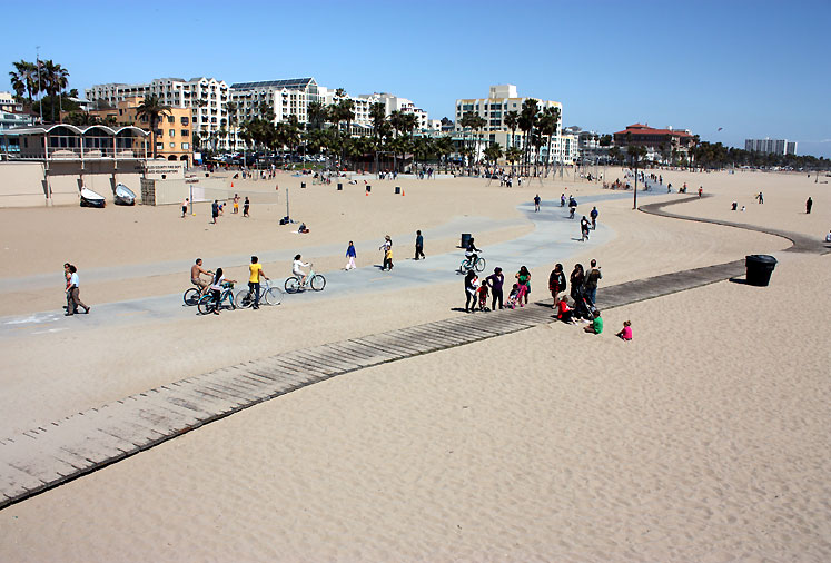 World Travel Photos :: USA - California - Santa Monica :: Santa Monica - a beach