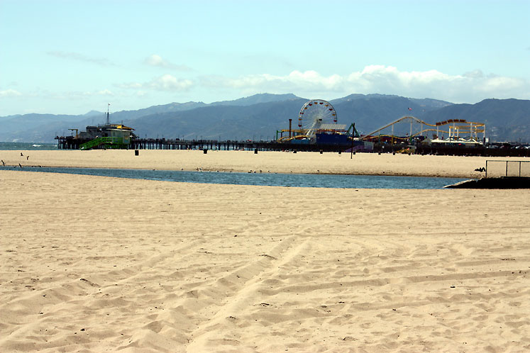 World Travel Photos :: USA - California - Santa Monica :: A beach and a pier in Santa-Monica