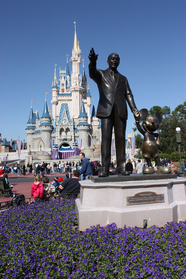 World Travel Photos :: Magic Kingdom :: Walt Disney World - Walt Disney & Mickey