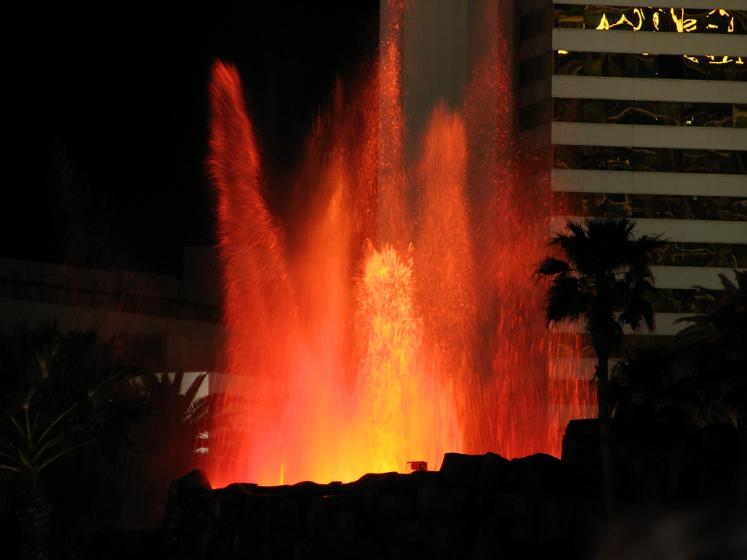 World Travel Photos :: Shows :: Las Vegas. Fire fountain in Mirage