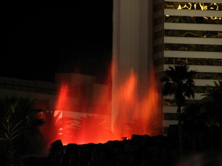 World Travel Photos :: Fountains :: Las Vegas. Fire fountain show in Mirage
