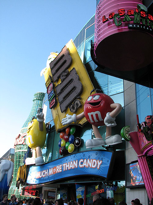 World Travel Photos :: Shops :: Las Vegas. M&Ms store