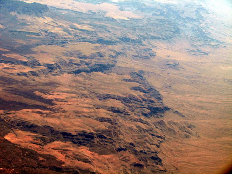 World Travel Photos :: Aerial views :: View on the way to Vegas - a desert