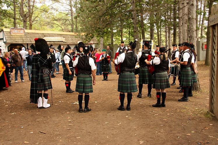 World Travel Photos :: USA - Michigan - Renaissance Festival  :: Michigan Renaissance Festival 2013 - a scottish band