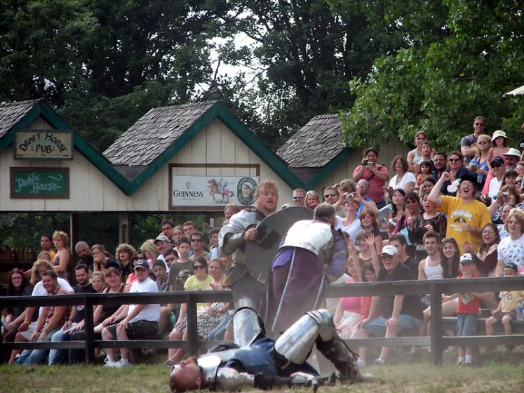 World Travel Photos :: Jousting :: Michigan. Renaissance Festival - don´t even try to stand up