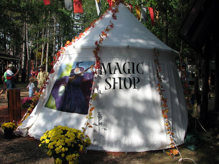 World Travel Photos :: USA - Michigan - Renaissance Festival  :: Michigan. Renaissanse Festival - Magic Shop
