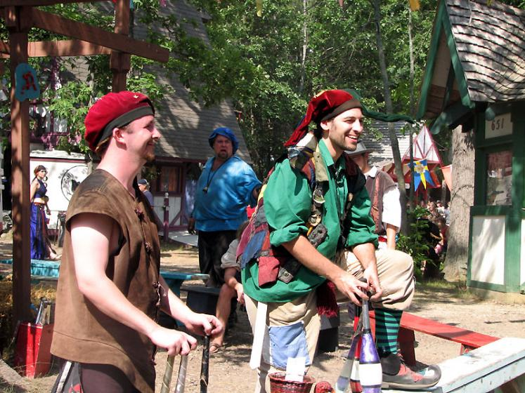 World Travel Photos :: Costumes :: Michigan. Renaissance Festival - Queen´s fools