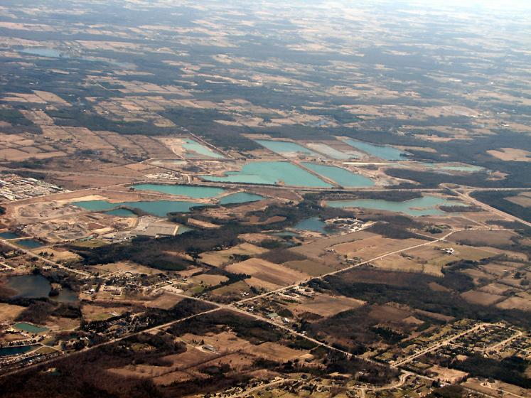 World Travel Photos :: USA - Misc :: Michigan - from the airplane