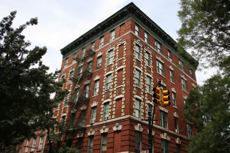 World Travel Photos :: USA - New York City :: NYC. A residential building in Greenwich Village