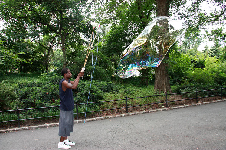 World Travel Photos :: Central Park :: NYC. A giant soap bubble at the Central Park