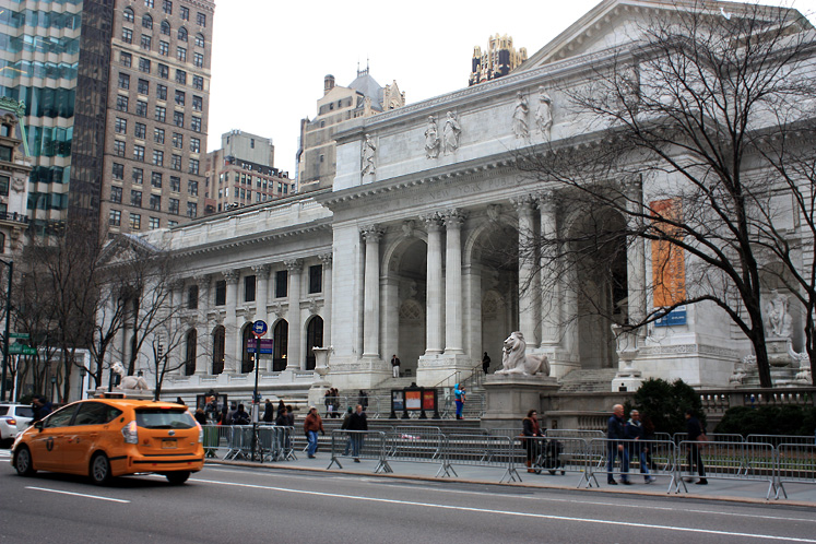 World Travel Photos :: 5th Avenue :: NYC. Fifth Ave. and New-York Public Library