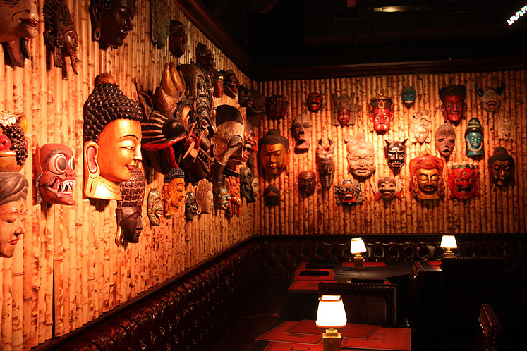 World Travel Photos :: Jekyll and Hyde Club :: NYC. Jekyll and Hyde Restaurant - a dining area