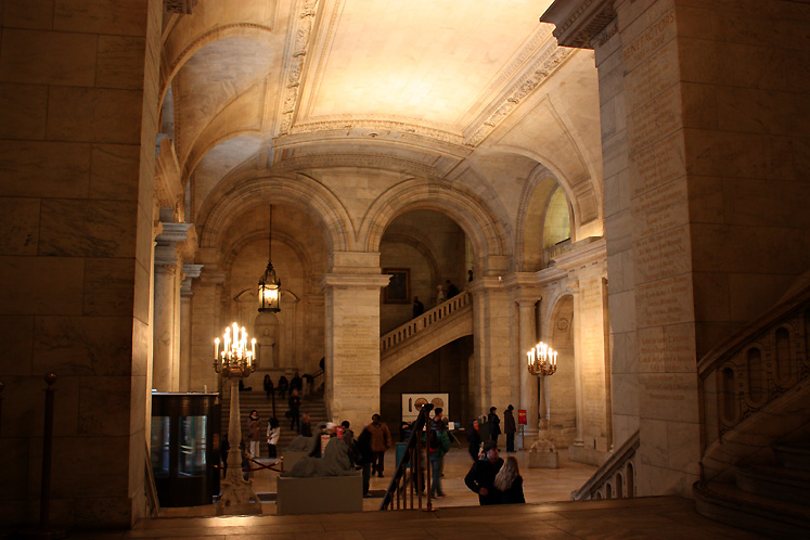 World Travel Photos :: USA - New York City :: NYC. The entrance hall of the New York Public Library on Fifth Avenue