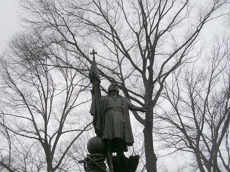 World Travel Photos :: Maya :: New York City. A monument of Columbus in Central Park