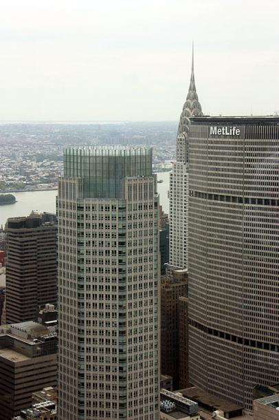 World Travel Photos :: MetLife Building :: New York City - MetLife building and the Chrysler Building