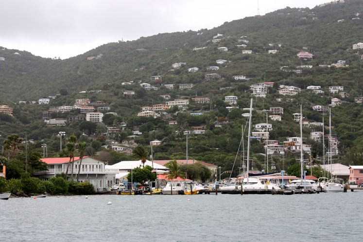 World Travel Photos :: USA - Virgin Islands :: St. Thomas - houses on the hills