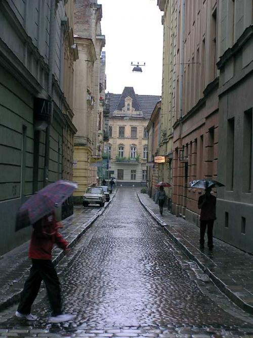 World Travel Photos :: Ad :: Lviv. Rain